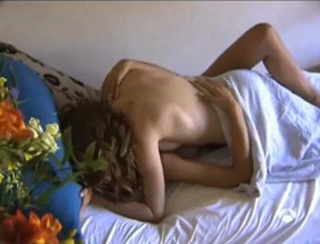 Anna Nova wird umgebogen und hart gefickt -